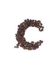 lettera dell'alfabeto fatta con i chicchi di caffe