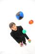 Jonglage avec des balles de couleur - 28301440