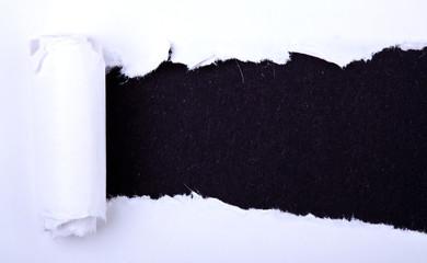 Aufgerissenes Papier