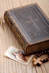 libro cattolico cinque