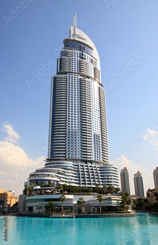 Skyscraper na Burj Dubai Lake.