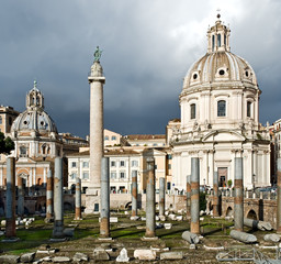 Colonna Traiana e rovine della Basilica Ulpia, Roma