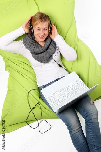 Mädchen ist Online!