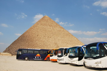 Buss and Pyramid heops.Egipt