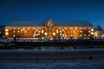 Tönninger Packhaus als Adventskalender
