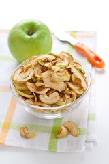 dried apple slices and green apple