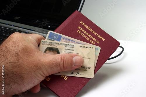 Leinwandbild Motiv Neuer Personalausweis - New Identity Card