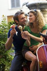 coppia con gelato