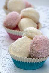 Schaumzuckerbälle in Muffinförmchen