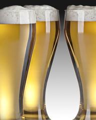boccali di birra con schiuma