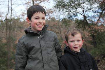 Promenade en forêt : 2 frères