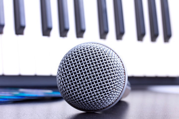 Microphone and piano keyboard