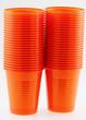 gobelets plastiques orange