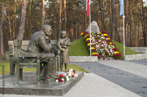 Sulejowek - Monument of Josef Pilsudski - 28637483