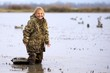 Leinwanddruck Bild - Duck Hunting Daughter