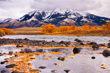 Yellowstone River & Absaroka Mountains