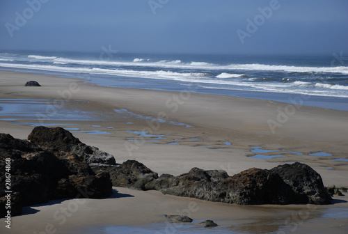 Strand mit Felsen in Oregon