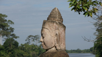 Statue a l'entrée d'Angkor Thom