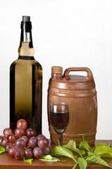 Vino barril  copa y uvas  vid
