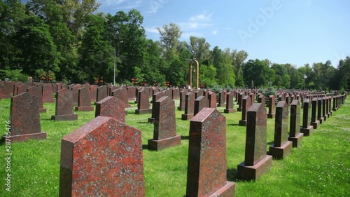 tombs of soviet soldiers