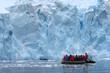 Leinwanddruck Bild - Zodiacfahrt (Antarktis) - Zodiac Exkcursion (Antarctica)