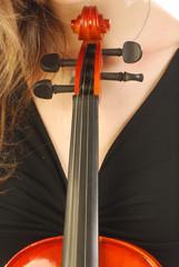 Donna con violino 047