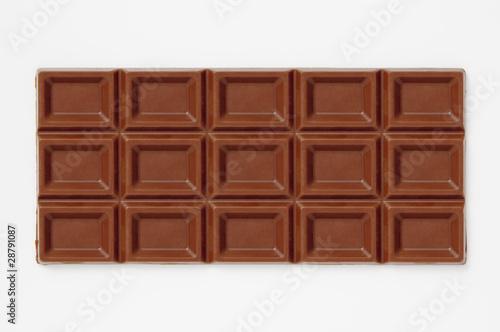 白背景に板チョコレートのアップ