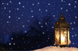 Romantische Weihnachtskarte bei Nacht