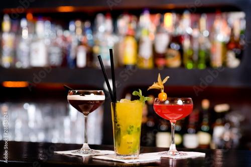 Leinwandbild Motiv Cocktail Alkohol Party Bar