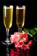 bouquet de rose et fluttes à champagne - saint-valentin