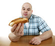 Mann mit Hot Dog