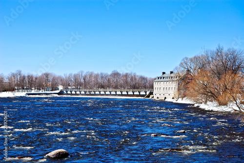 Fotobehang Kanaal Barrage à Terrebonne, Québec, Canada