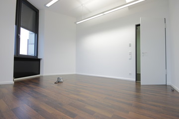 Raum leeres Büro © Matthias Buehner