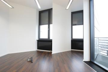 leerer Büroraum  © Matthias Buehner