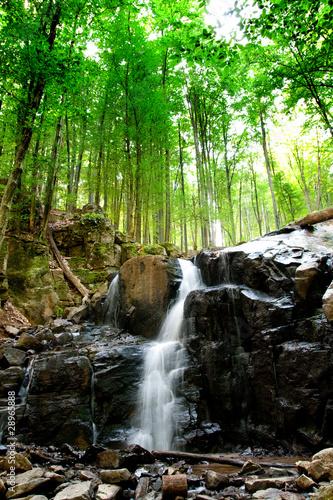 Mountain falls - 28965888