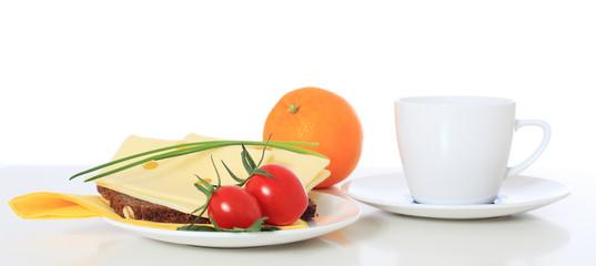 Scheibe Vollkornbrot mit Käse.