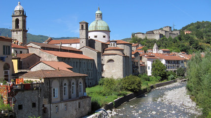 Veduta di Pontremoli in Lunigiana