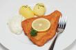Gebackenes Schollenfilet mit Kartoffeln und Remoulade