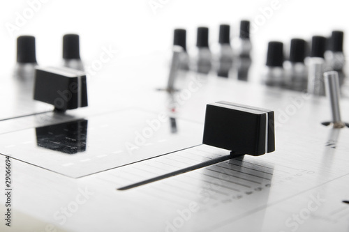 Crossfader of audio mixing controller
