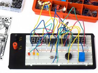 Electronic circuit on a breadboard (raster) DIY