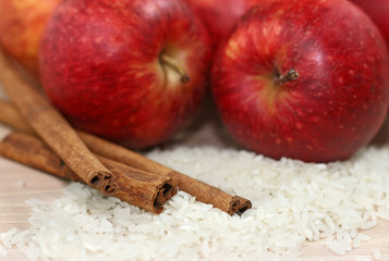 rice, apple and cinnamon - macro