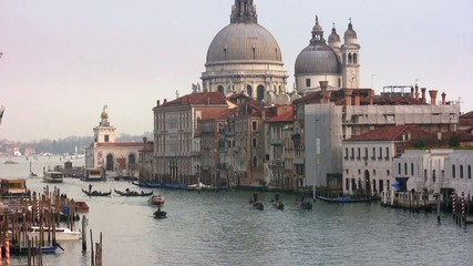 Gondolas en Santa Maria de la Salute, Venecia