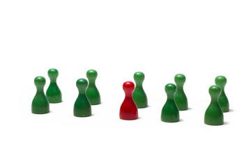 Spielfiguren unterschiedlicher Farben