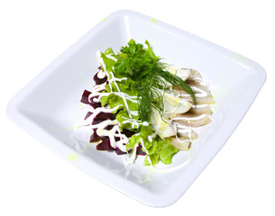 salad of beets, lettuce, fish and eggs  Прослушать