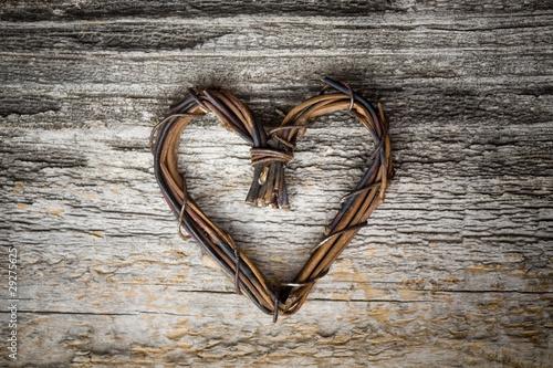 Сердце из веток своими руками
