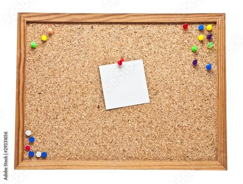 pinnwand mit einem blanko zettel stockfotos und lizenzfreie bilder auf bild 29331656. Black Bedroom Furniture Sets. Home Design Ideas