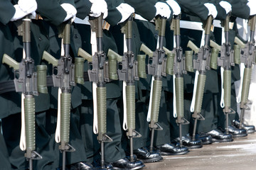 Soldier's automatic rifles