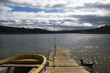 pescando en la laguna