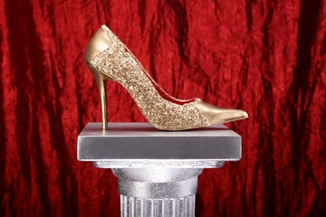 Gold Schuh  Rot 05