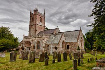 Kirche und Friedhof von Avebury, Südengland